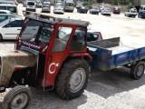 Traktör ile kum vs yükleriniz taşınır.